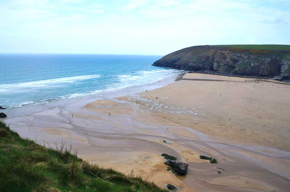 Waves Surf School, Cornwall - Surf Lessons Mawgan Porth